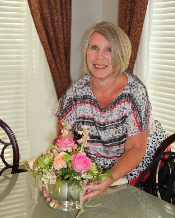 Barbara Reynolds : Food Service Director
